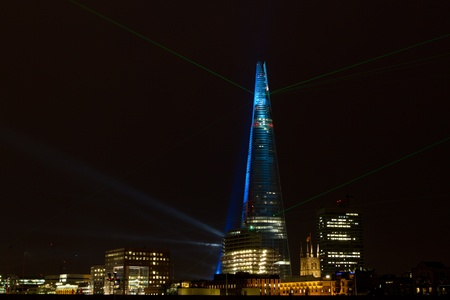 laser lights: Laser Lights Show at the Renzo Piano Designed Building  in London Bridge the Shard; Shot from Blackfriars Bridge