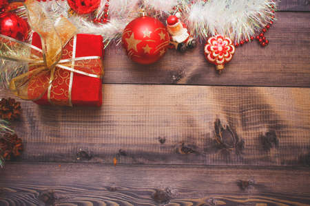 Christmas's decoration on a wooden table, great for background on greeting cards, desktop, web Banque d'images