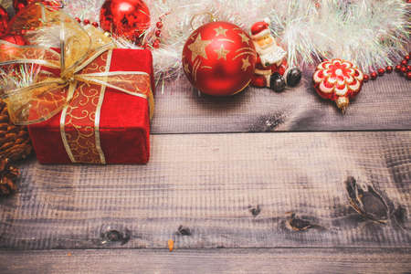 Christmas decor and festive toys on a wooden table Banque d'images