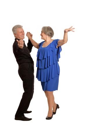 Amüsant alte Paar tanzt auf einem weißen Hintergrund Standard-Bild - 56290143