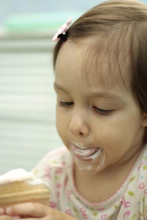 cornet: Charming little  girl