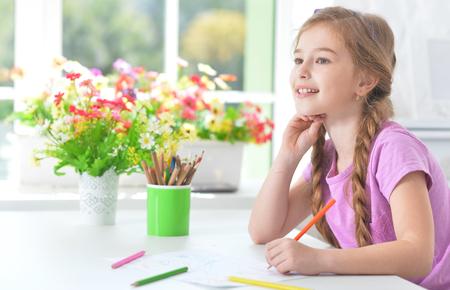Girl drawing at home Reklamní fotografie