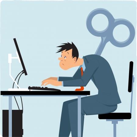 Empleado de sexo masculino agotado que trabaja en la computadora, llave gigante pegada en su ilustración posterior
