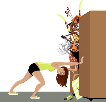Garderoba pęka od materiału, kobieta próbuje trzymać zamknięte drzwi, EPS 8 ilustracji wektorowych