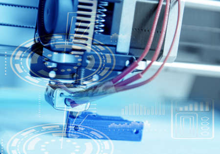 中に、3 D プリンター、3 D 電子 3 次元プラスチック製プリンターで印刷 写真素材 - 67632606