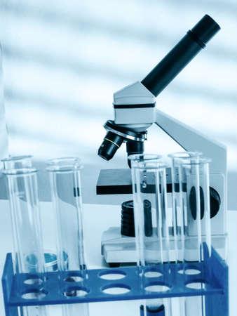 Biopsia: Laboratory microscope lens.modern microscopes in a lab Foto de archivo