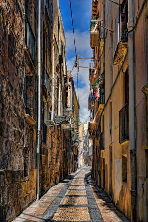 Spain, Tarragona, ancient narrow street Stok Fotoğraf