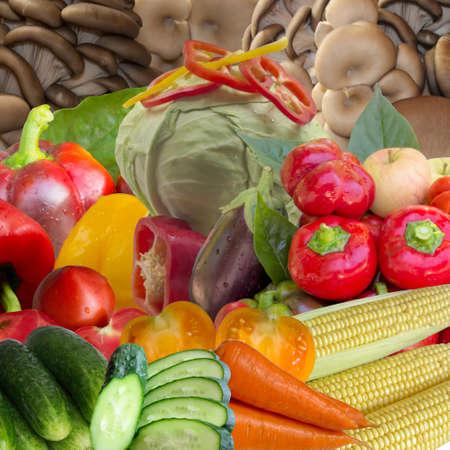 frescura: Fresh, freshness, white, pepper, agriculture, green, layout, diet, droplets, abundance. Foto de archivo