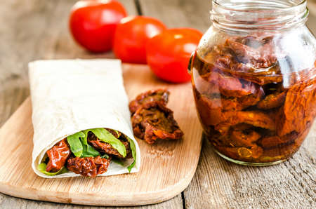 doner: tortilla with dried tomatoes