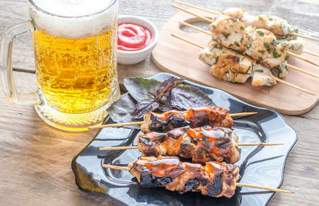 chicken skewers with beer 版權商用圖片