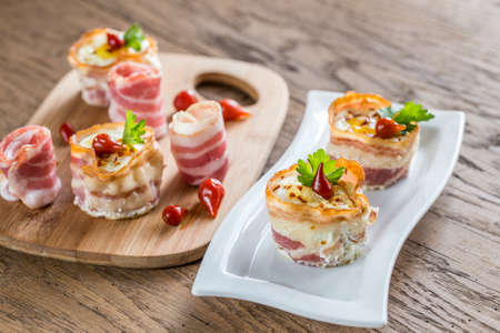 egg cups: Bacon egg cups