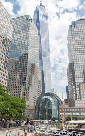 manhattan mirror new york: NEW YORK CITY - JULY 13: View on Brookfield Place on July 13, 2015 in New York. Brookfield Place is a complex of office buildings located across West Street from the World Trade Center in Manhattan. Editorial
