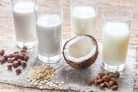 verre de lait: lait non laitier Banque d'images