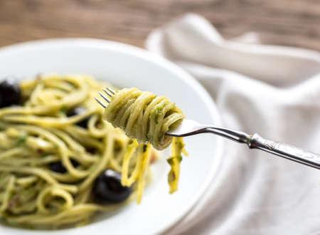 durum: Pasta with guacamole