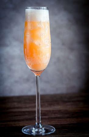 bellini: Bellini cocktails