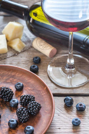 syrah: Red wine with berries and parmigiano cheese