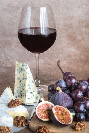 zinfandel: Antipasti with red wine