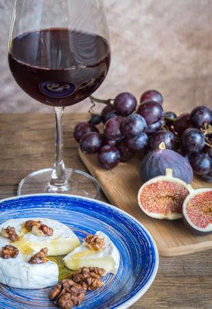 pinot noir: Antipasti with red wine