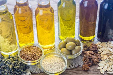 植物油の種類とボトル 写真素材