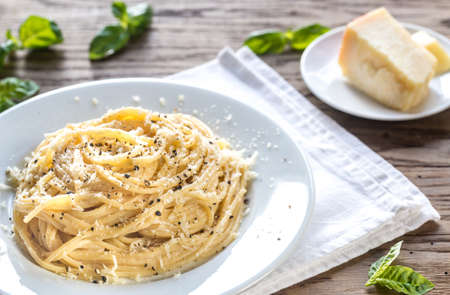 Cacio e Pepe - spaghetti with cheese and pepper