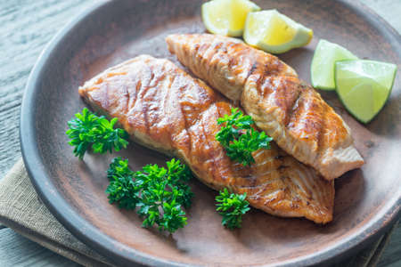 unsaturated: Roasted salmon steak with fresh parsley