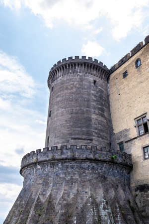 Castel Nuovo - a medieval castle located in Naples. Imagens