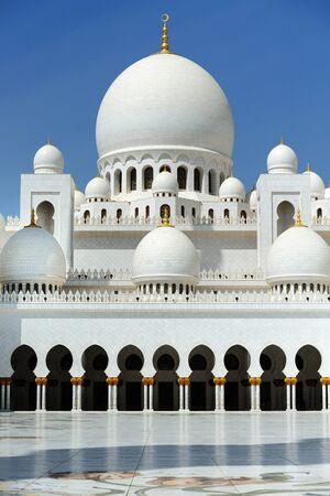 sheikh zayed mosque: AbuDhabi. Sheikh Zayed mosque.
