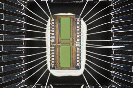 silicio: Extreme close up of silicon memory chip. Foto de archivo