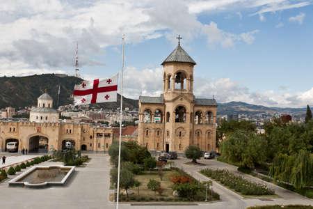 La mayor catedral ortodoxa de la regi�n del C�ucaso - St Trinidad o Sameba Catedral en Tbilisi, Rep�blica de Georgia photo