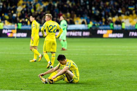 Kyiv, Ucrania - 9 de octubre de 2017: Yevhen Konoplyanka trastorno de un partido perdido. Ronda de clasificación para la Copa Mundial de la FIFA 2018 Ucrania - Croacia.