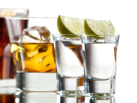 Deux tequilas, whisky sur les rochers et Cuba Libre Banque d'images - 16452870