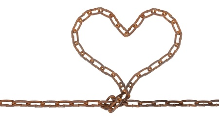 link up: Heart of a metal chain