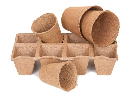 turba: Macetas de turba para las plántulas