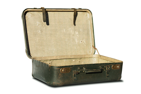Maleta de viaje de cuero Vintage aislado sobre fondo blanco.