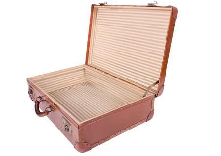 Una maleta viajando aislado sobre un fondo blanco
