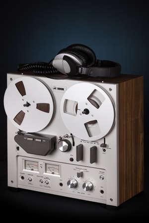 grabadora: Analog Stereo Reel Tape Deck Recorder Player with headphones