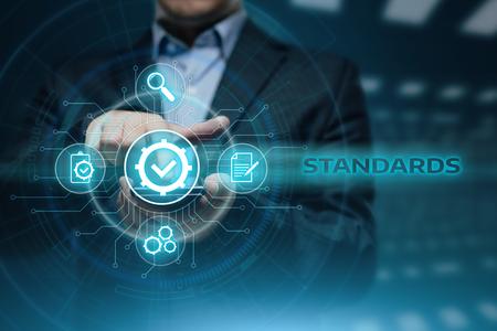 Conceito padrão da tecnologia do negócio do Internet da garantia da garantia da certificação do controle de qualidade. Foto de archivo