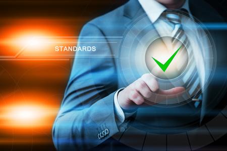 Standardowa koncepcja kontroli jakości. Zdjęcie Seryjne