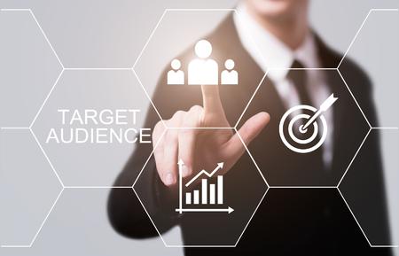 대상 고객 마케팅 인터넷 비즈니스 기술 개념.
