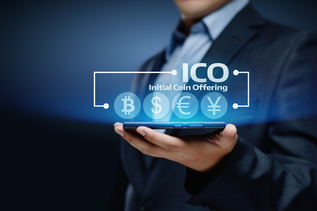 ICO 초기 동전 제공 비즈니스 인터넷 기술 개념.