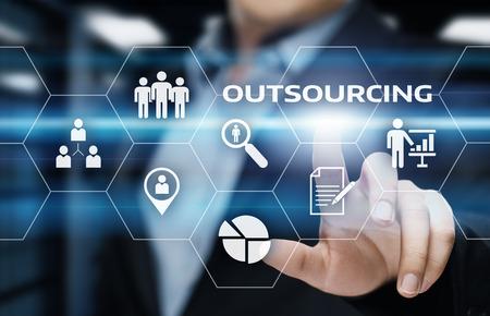 アウトソーシング人材ビジネス インターネット技術コンセプト。