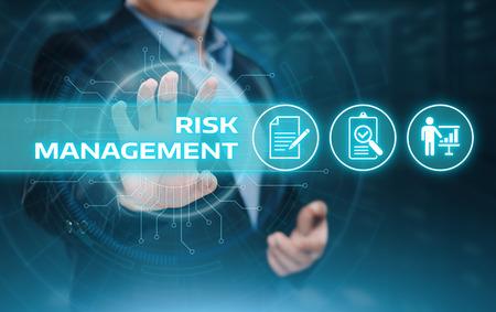 Risk Management Strategy Plan Finance Investment Internet Business Technology Concept. Foto de archivo