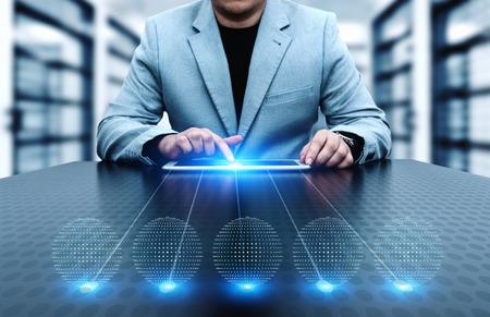 empresario presionando la plantilla de negocios de la innovación de internet concepto de la tecnología. espacio para el texto . Foto de archivo