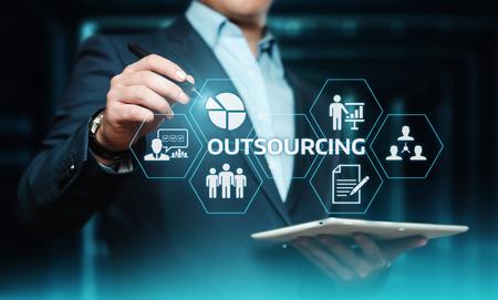 Outsourcing von Human Resources Business Internet-Technologiekonzept. Standard-Bild - 104246702