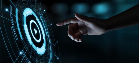 Video-Play-Präsentation-Bildschirm-Technologie-Business-Internet-Konzept. Standard-Bild
