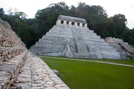 碑文の神殿、Pakal の墓。 パレンケ, チアパス州, メキシコ 報道画像