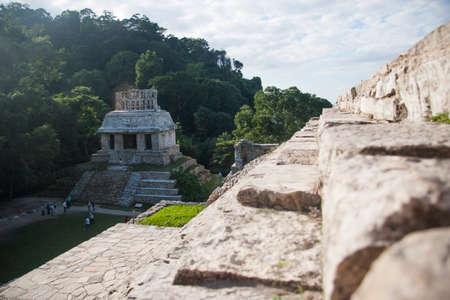 パレンケの太陽考古学ゾーンの寺