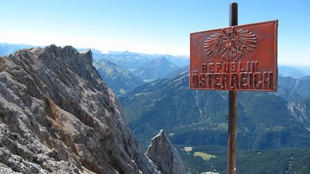 Ascent Zugspitze through the Reintal (Zugspitzblatt  Landesgrenze  Wetterstein)