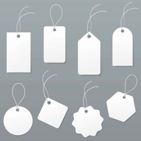 Set of empty white price tags in different shapes. Blank paper labels with string mockup isolated on grey background. luggage tag collection. Vector illustration. Ilustração