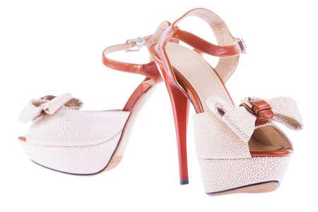 Hohe Ferse Schuhe isoliert Standard-Bild - 13544841